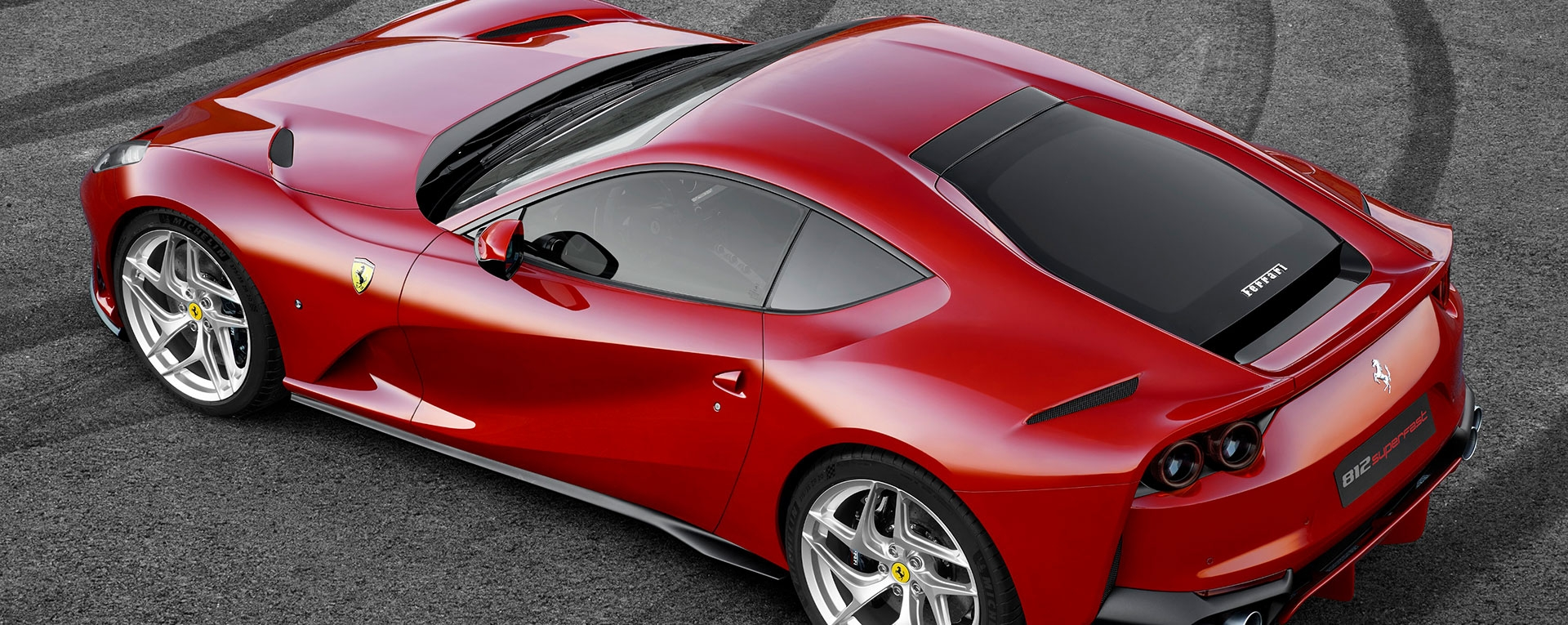 FERRARI 812 SUPERFAST Main Slide