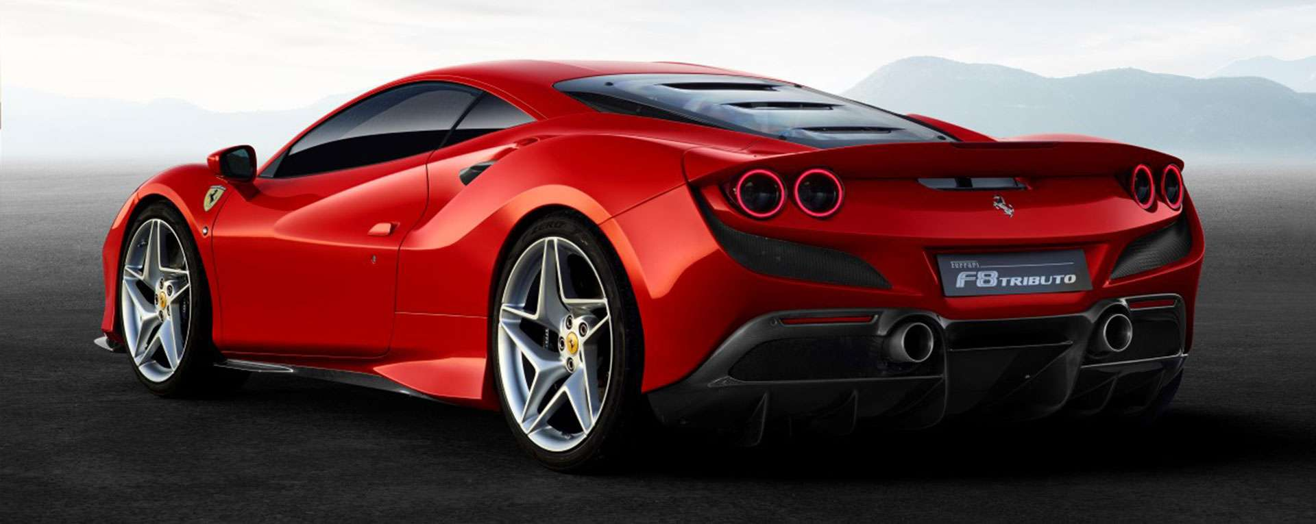 FERRARI F8 TRIBUTO Main Slide
